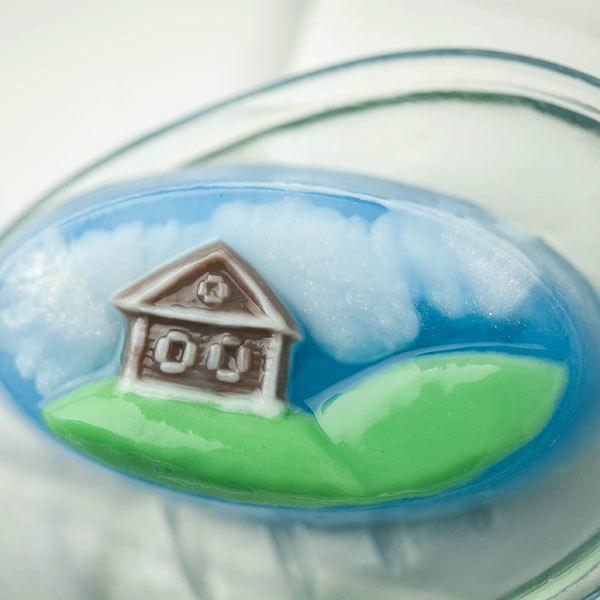 Пластиковая форма для мыла Домик на лужайке