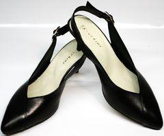 Летние туфли на низком каблуке Kluchini 5190 Black.