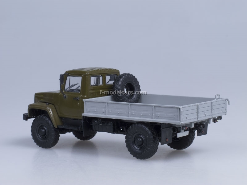 GAZ-3308 board 4x4 engine ZMZ-513 blackout on headlamps khaki AutoHistory 1:43