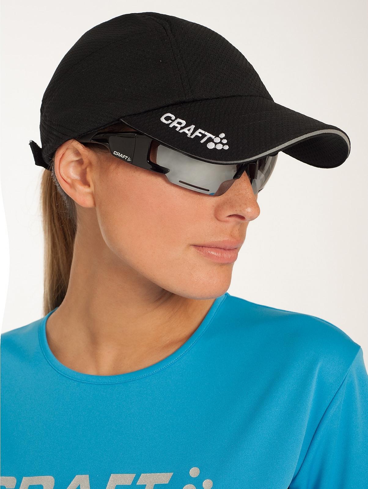 Спортивная кепка Craft Running Cap (1900095-1999) черная фото