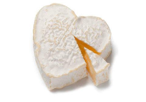 Сыр фермерский Бри, сердечко~200г