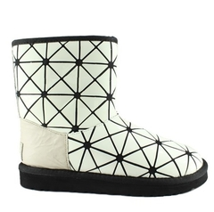 /collection/jimmy-choo-snow-boots/product/ugg-jimmy-choo-issey-miyake-white
