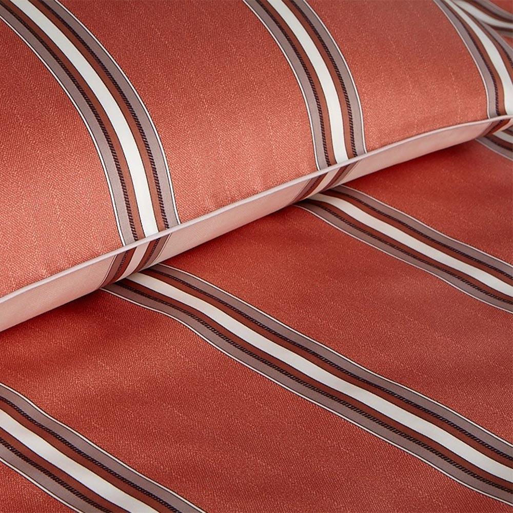Элитная наволочка Cascade коричневая от Elegante