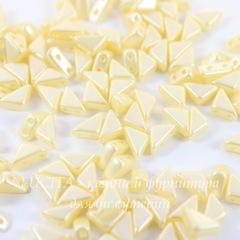 Бусина Tango Треугольник с 2 отверстиями, 6 мм, перламутрово-кремовая