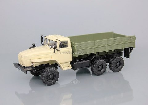 Ural-43202 flatbed beige-khaki 1:43 DeAgostini Auto Legends USSR Trucks #29