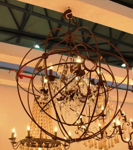 vintage chandelier  01-59 ( by Funky Vintage )