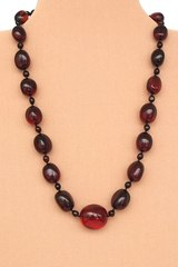 бусы из калининградского янтаря вишнёвого цвета