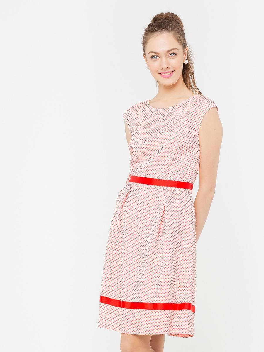Платье З199б-796 - Женственное и комфортное платье из фактурной ткани со спускной линией плеча и отделкой из репсовой лены.. Этот кокетливый и легкий фасон прекрасно подходит практически всем, скрывая недостатки фигуры.  Классические линии кроя идеально обрисовывают женственный силуэт. Подходит для офиса,  романтических встреч, праздничных и вечерних мероприятий.