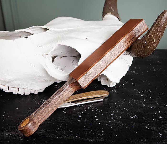 RAZ464 Кожаный ремень с деревянной рукояткой для правки бритвы фото 03