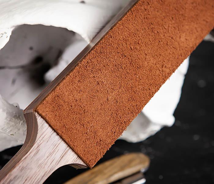 RAZ464 Кожаный ремень с деревянной рукояткой для правки бритвы фото 06