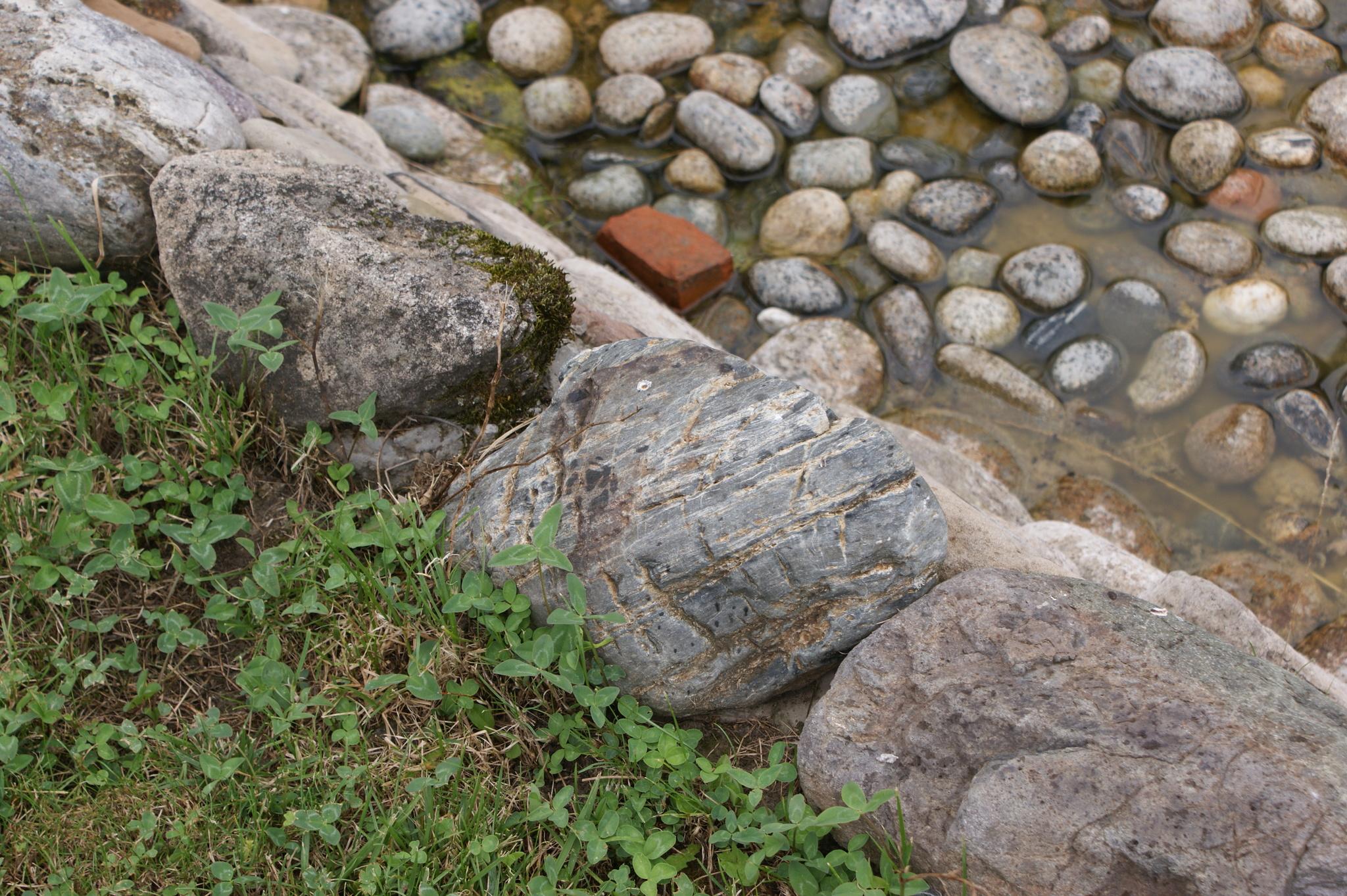 Булыжник речной Махар сухой камень