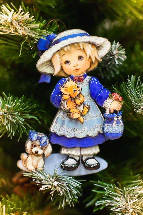 Папертоль Девочка с собачкой — пример готовой оформленной работы.