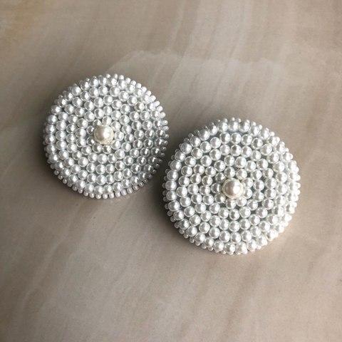 Клипсы круглые с белыми искусственными жемчужинами