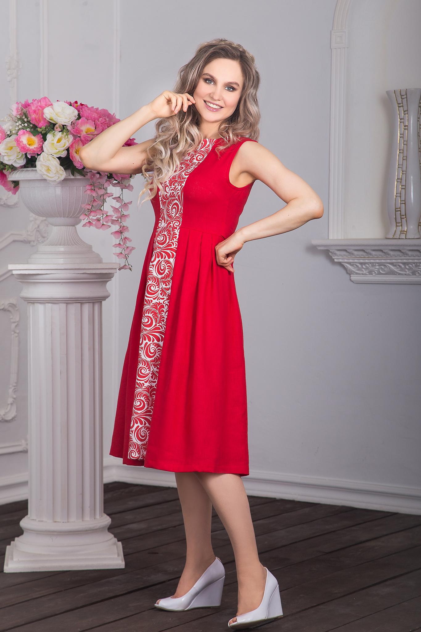 Фото сбоку платья в русском стиле Красна Девица
