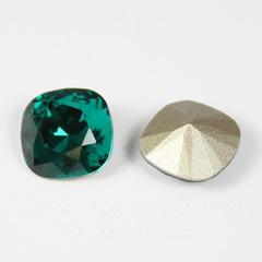 4470 Ювелирные стразы Сваровски Emerald (10 мм)