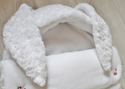 Демисезонный конверт на выписку Снежная Зайка