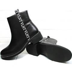 Короткие полусапожки без каблука женские Jina 6845 Leather Black.