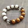 Бусина Жадеит (тониров), шарик, цвет - белый, 10 мм, нить (Яркий браслет. Пример)