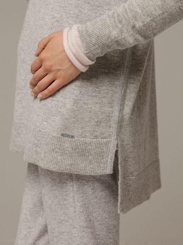 Женский серый джемпер с V-образным вырезом из 100% кашемира - фото 2