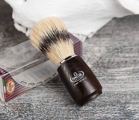 Итальянский помазок с деревянной рукояткой