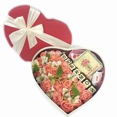 Цветы+буквы шоколадные+рафаэлло+открытка из шоко