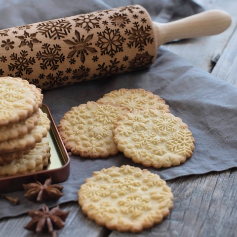 SNOWFLAKES - engraved rolling pin