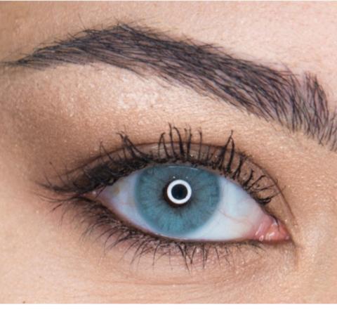 голубые линзы для карих глаз