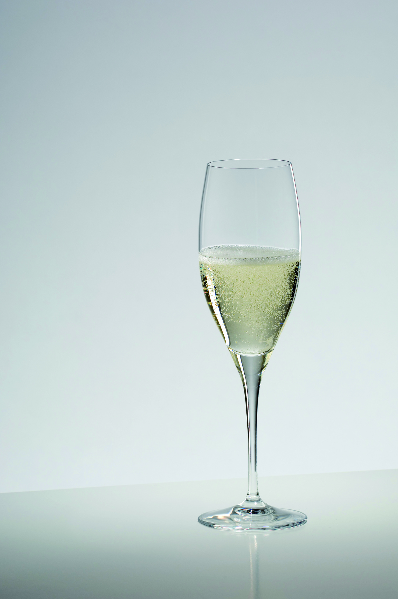 Бокалы Набор бокалов для шампанского 2шт 230мл Riedel Vinum Cuvee Prestige nabor-bokalov-dlya-shampanskogo-2-sht-230-ml-riedel-vinum-cuvee-prestige-avstriya.jpg