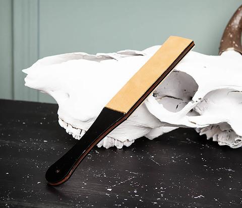 Кожаный ремень для правки бритвы с рукояткой