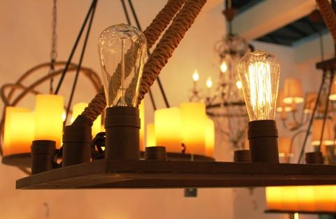vintage chandelier  01-73 ( by Funky Vintage )