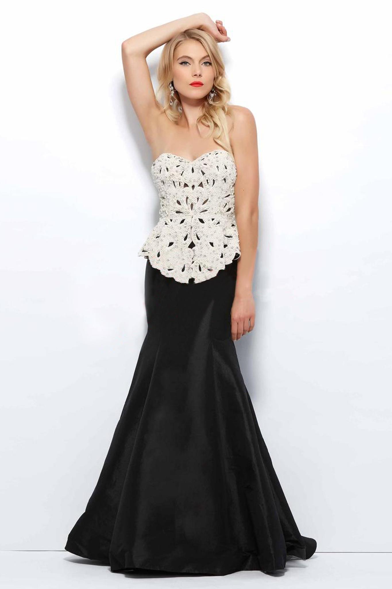Mac Duggal 1554 платье длинное, лиф расшит бусинами и камнями, юбка