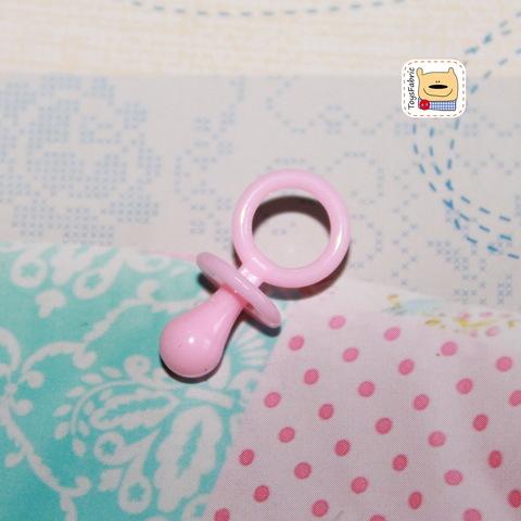 Соска пустышка пластиковая (розовая S) М118
