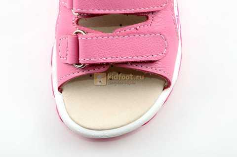 Босоножки Тотто из натуральной кожи с открытым носом для девочек, цвет розовый белый. Изображение 10 из 12.