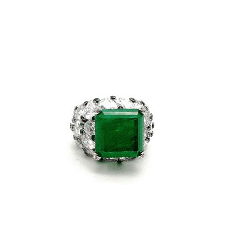 Крупное кольцо с изумрудным кварцем в стиле Graff