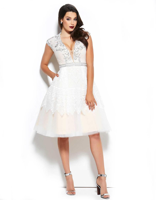 Mac Duggal 12011 Белое платье с глубоким вырезом и пышной юбкой до середины колена