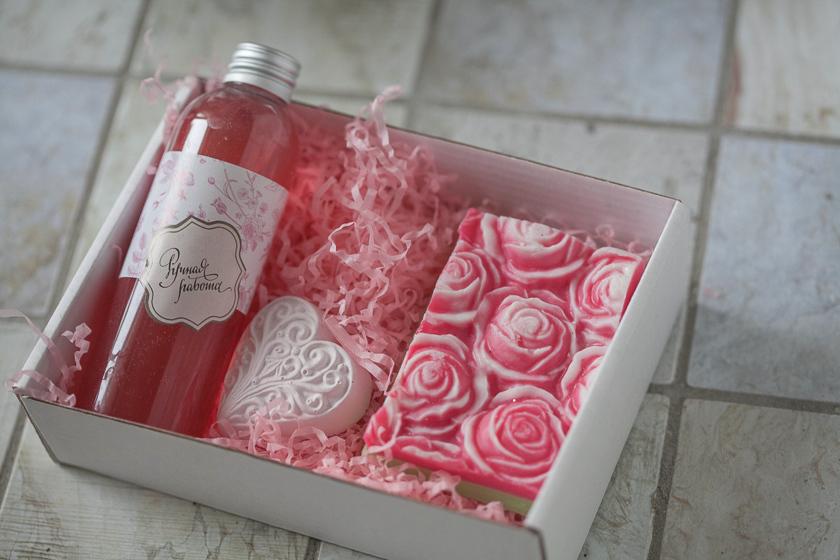 Мыло с розами. Форма под нарезку