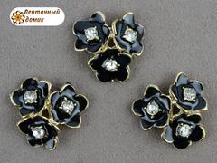 Металлический декор Черные тройные цветы со стразой