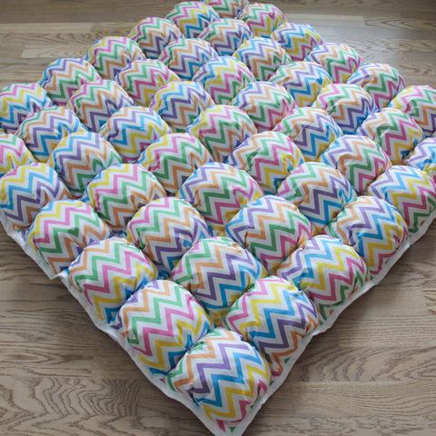 Коврик Бомбон для вигвама Colored Zigzag Tipi