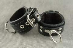 Секс наручники БДСМ из натуральной кожи (с цепочкой в комплекте)