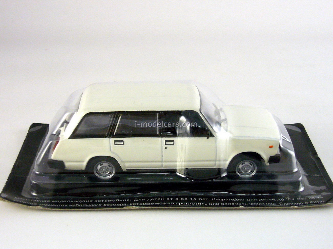 VAZ-2104 Lada white 1:43 DeAgostini Auto Legends USSR #43
