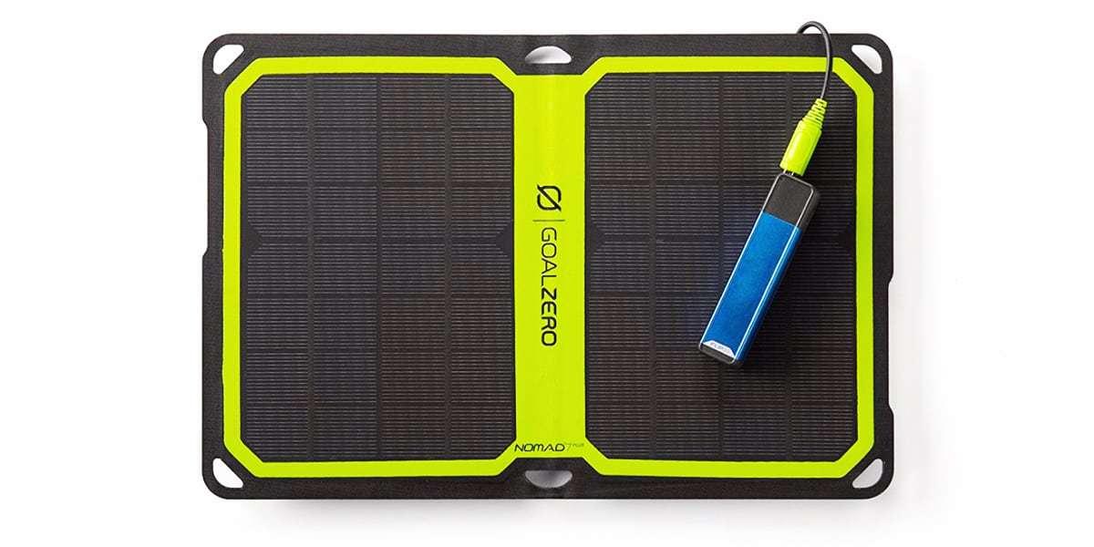 Солнечная панель Goal Zero Nomad 7 Plus заряжает