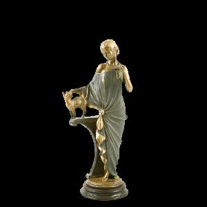 Скульптура Девушка с кошкой