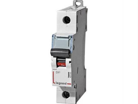Автоматический выключатель DX-E 6000 - 6 кА - тип характеристики C - 1П - 230/400 В~ - 3 А - 1 модуль. Legrand (Легранд). 407258