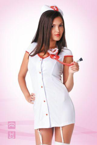 Белый костюм медсестры с остоит из короткого халатаикак с пажами и головного убора