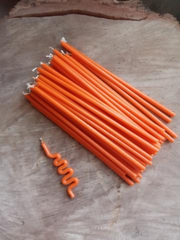 Восковые свечи  оранжевые