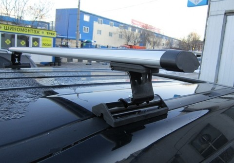 Багажник Интер С-15 в штатные места с аэродинамической поперечиной 130 см.