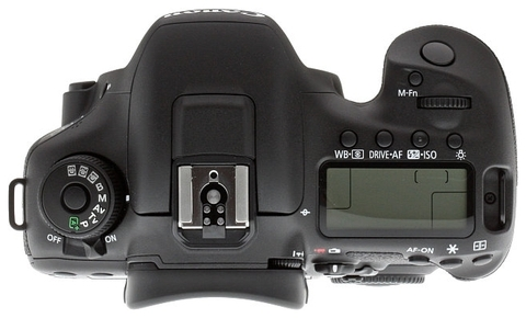 Canon EOS 7D Mark II Kit 18-135mm IS STM