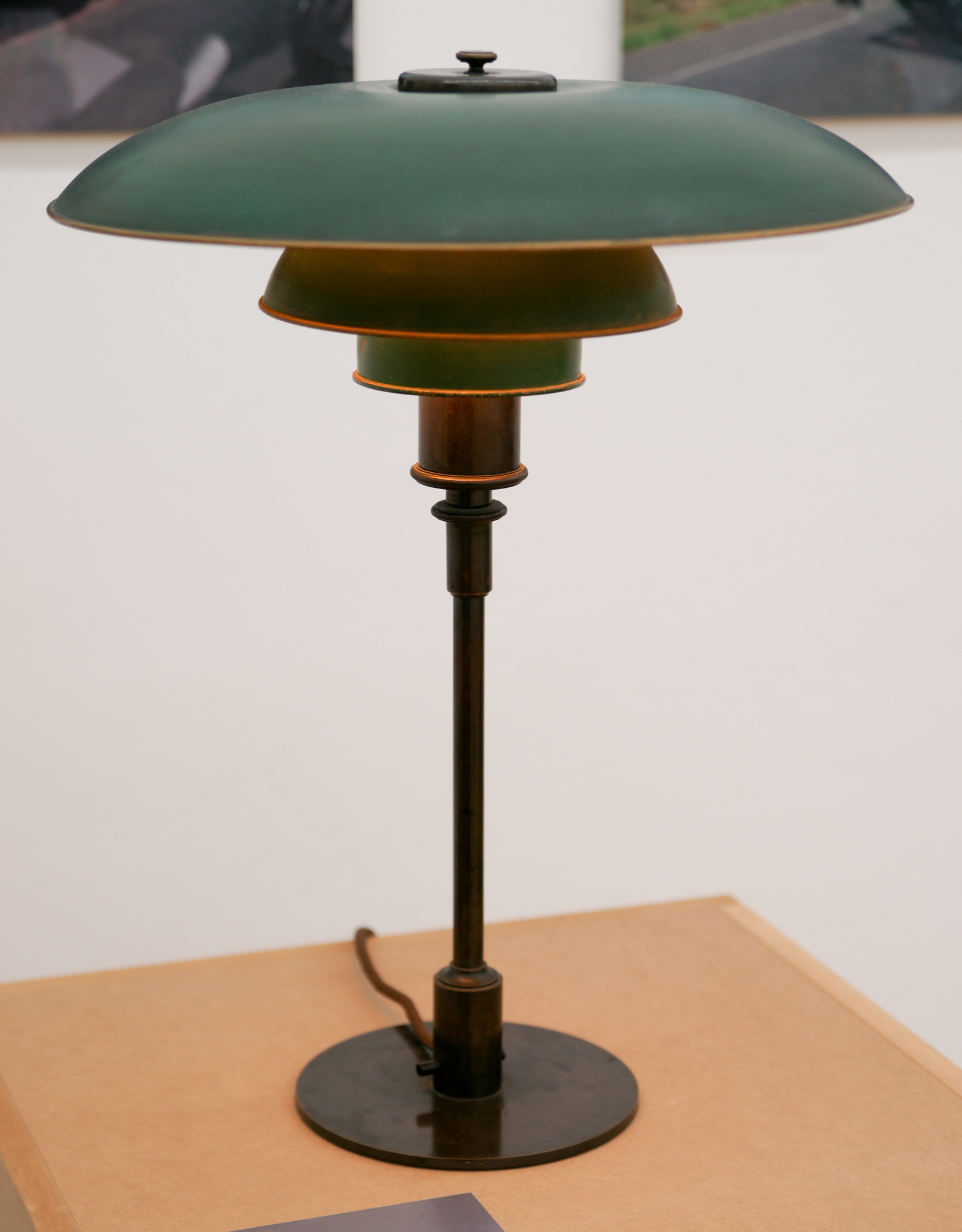 replica louis poulsen table lamp by poul henningsen buy in online shop price order online. Black Bedroom Furniture Sets. Home Design Ideas