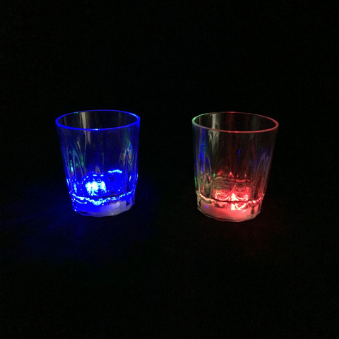 Светящаяся рюмка Light-up Liquid Activated Glass, 70 мл (1 рюмка)