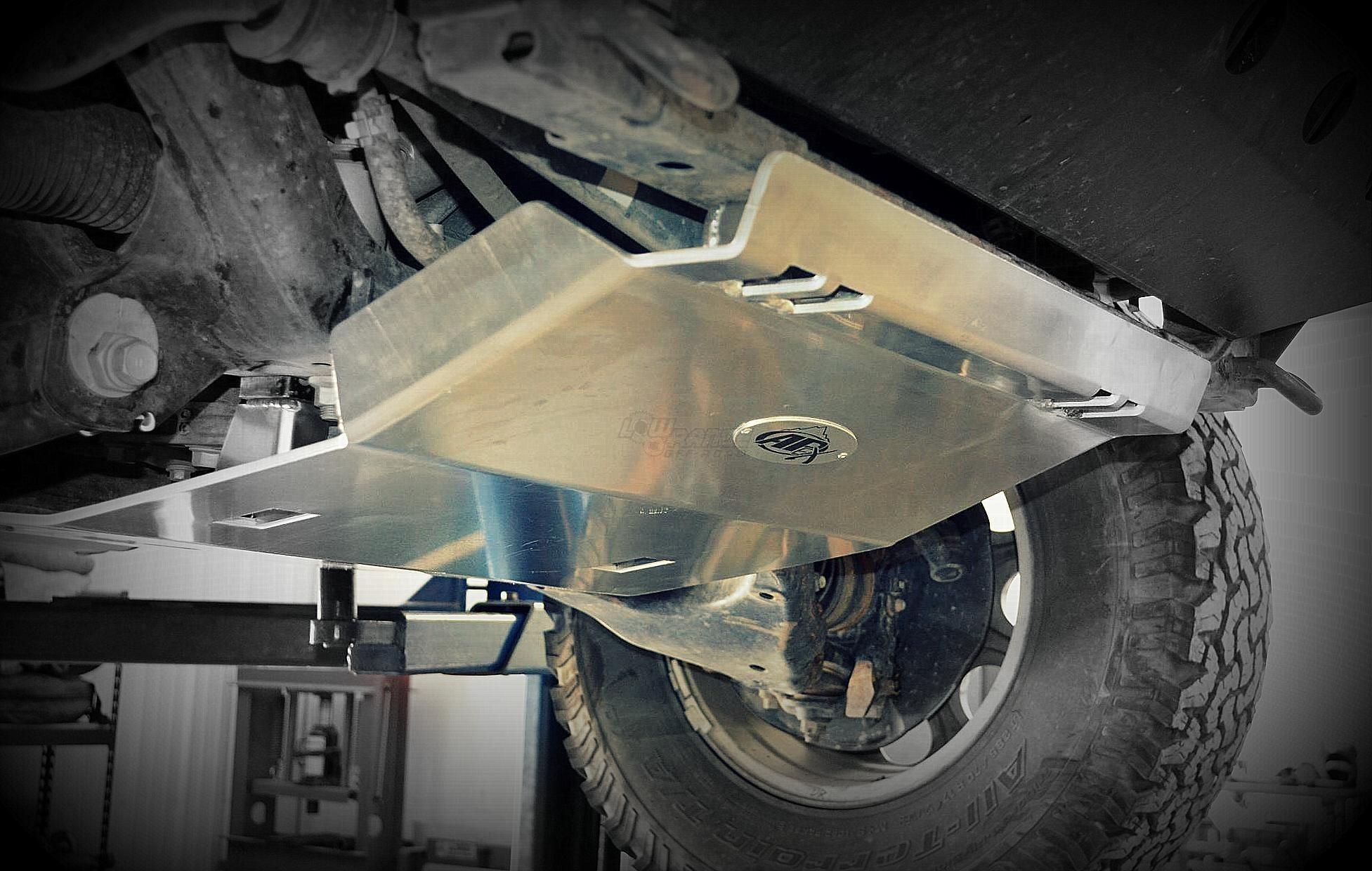 Установка защиты Toyota HiLux фото-2
